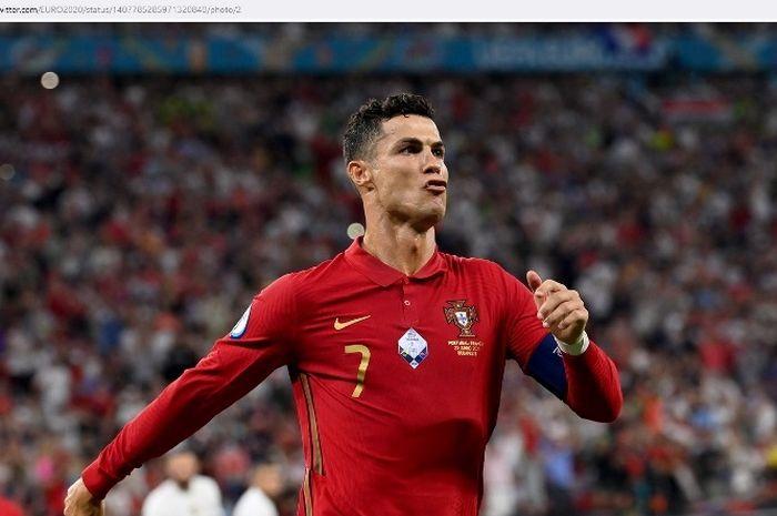 Megabintang timnas Portugal, Cristiano Ronaldo, dalam laga kontra Prancis pada penyisihan grup EURO 2020.