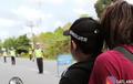 Panik Ada Razia, Pemotor Lari Terbirit-birit Dikejar Polisi Sampai Jatuh, Enggak Taunya..