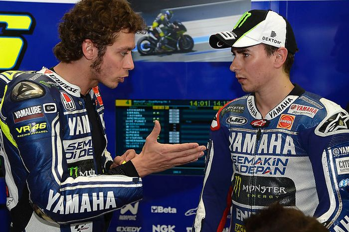 Valentino Rossi dan Jorge Lorenzo saat sama-sama berada di tim Yamaha.