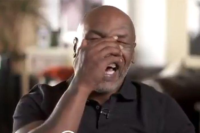 Mike Tyson tertawa setelah melihat video youtuber asal Inggris, KSI, yang mengatakan bisa mengalahkannya dalam pertandingan tinju.