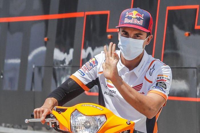 Pembalap Repsol Honda, Marc Marquez saat tiba di Sirkuit Jerez untuk seri MotoGP Andalusia 2020