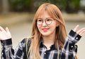 Tiru Gaya Boyish ala Wendy Red Velvet dengan Oversized Flanel Shirt Terjangkau!