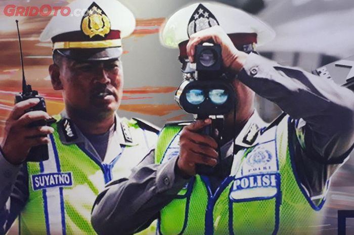 Speed gun yang digunakan oleh polisi lalu lintas