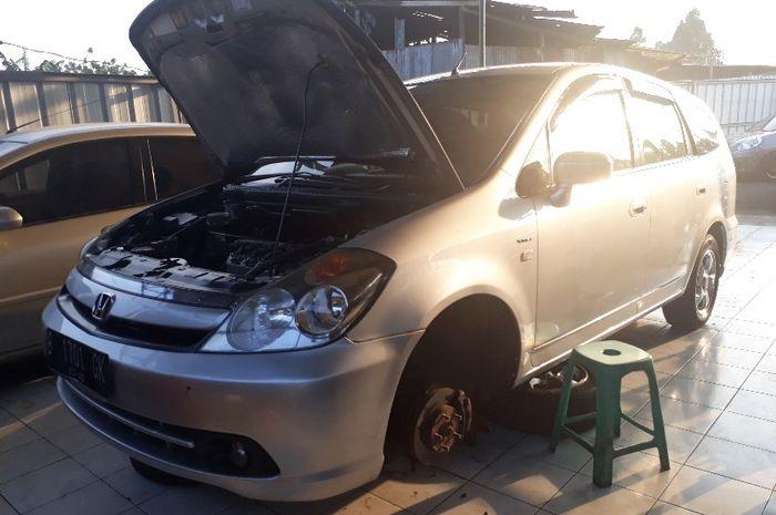 Honda Stream rawan kebocoran di power steering dan packing