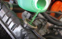 Udah Ngerti Belum Gimana Harusnya Cek Dan Tambah Air Radiator Mobil?