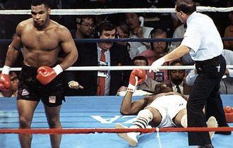 Jon Jones Mau Bertarung dengan Mike Tyson, Ini Syaratnya Utamanya