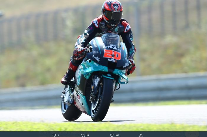 Pembalap Petronas Yamaha SRT, Fabio Quartararo saat menjalani sesi pemanasan di ajang MotoGP Republik Ceska 2020.