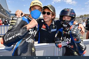 Tampil Gemilang di Moto2 2020, Valentino Rossi Bocorkan Masa Depan Sang Adik