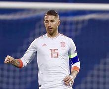 Sergio Ramos Dicemooh Fan Sepak Bola, Mohamed Salah Biang Keladinya?