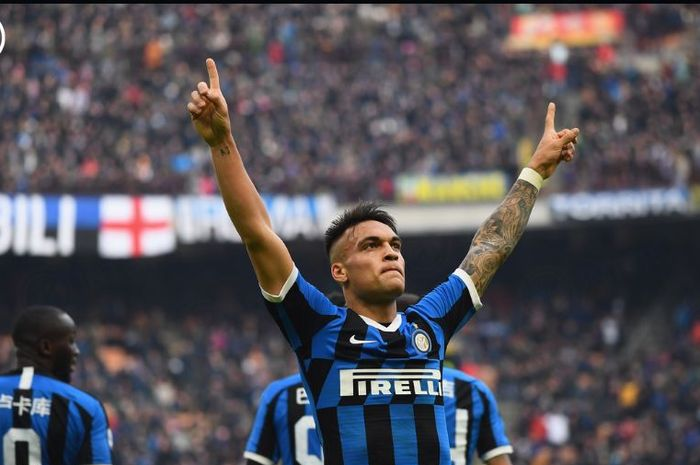 Lautaro Martinez mencetak gol saat Inter Milan bersua Cagliari dalam partai Serie A di Giuseppe Meazza, 26 Januari 2020.