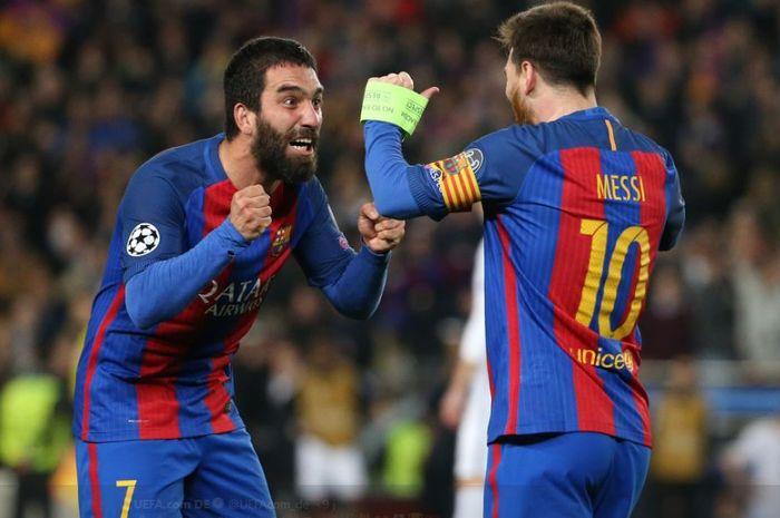 Saat masih membela Barcelona, Arda Turan (kiri), menjadi salah satu pelayan Lionel Messi di lini serang.
