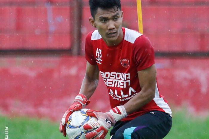 Penjaga gawang PSM Makassar, Hilman Syah menuai pujian warganet usai menepis empat tendangan penalti Persija Jakarta.
