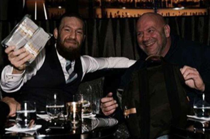 Potret Conor McGregor bersama Presiden UFC, Dana White.