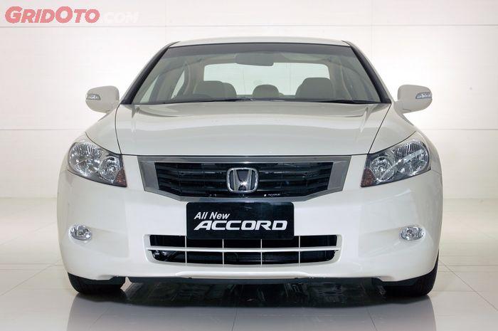 Honda Accord CP2 punya dua pilihan mesin