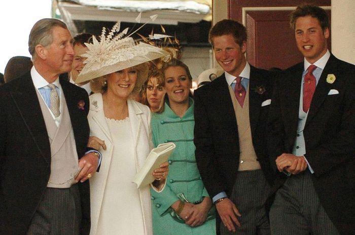 Rebut Ayahnya, Begini Hubungan William-Harry dengan Camilla Parker