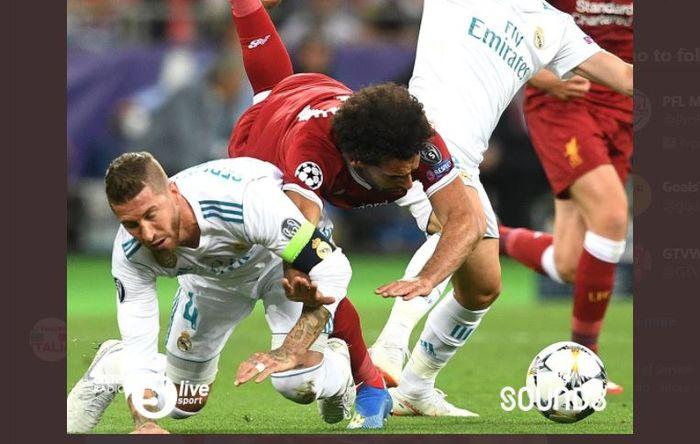Insiden Sergio Ramos dan Mohamed Salah dalam final Liga Champions 2017-2018 antara Real Madrid vs Liverpool.