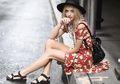 8 Inspirasi Fashion Memadukan Sandal Gunung Supaya Terlihat Stylish
