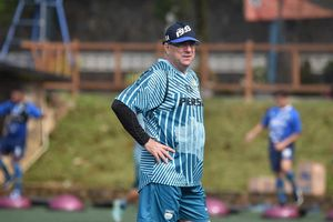 Syarat Kapten Persib Bandung yang Dicari Robert Alberts di Liga 1 2020