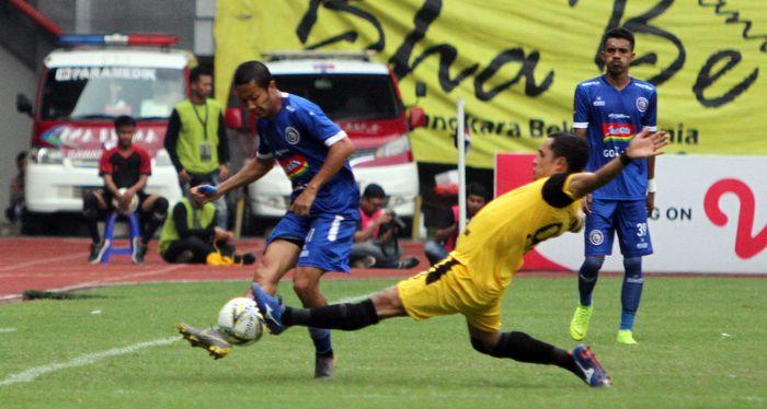 Pertandingan Bhayangkara FC vs Arema FC di Stadion Patriot Chandrabhaga, Kota Bekasi, Sabtu (30/3/2019).