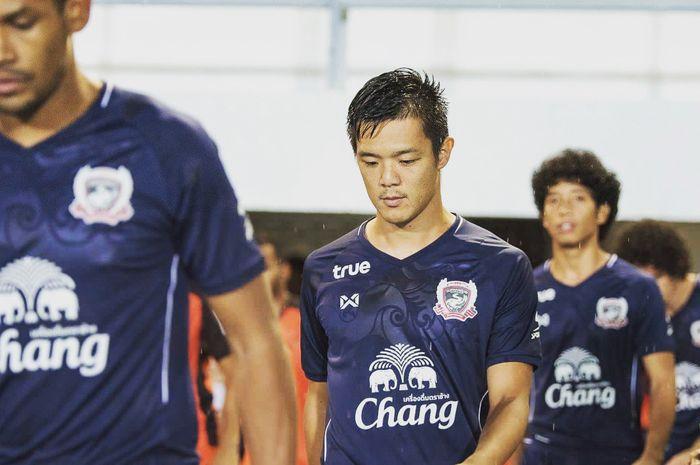 Pemain baru Arema FC, Takafumi Akahoshi, saat membela Suphanburi FC di Liga Thailand 1 pada 2019.