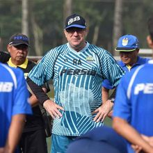 Umuh Muchtar Mundur, Pelatih Persib Akan Rangkap Jabatan sebagai Manajer