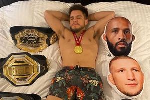 Tak Mau Kalah, Legenda UFC Ikut-ikutan Debat Penentuan Petarung Terbaik