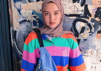 Style Baju Hijab Santai dengan Outfit Colorful ala Selebgram Tasya Kissty