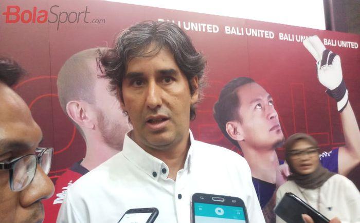 Pelatih Bali United, Stefano Cugurra di Bursa Efek Indonesia, Jakarta, Senin (17/6/2019).