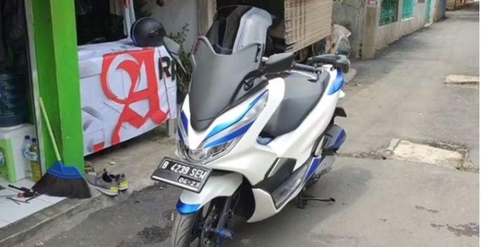 Honda PCX jadi Forza