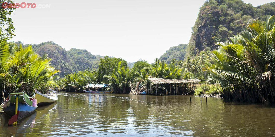 Sungai Salenrang di Kab Maros Sulsel. Photo: Gugum Gumilar