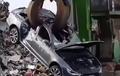 Nyesek, Audi RS6 Dicabik-cabik Mesin Raksasa Sampai Jadi 'Rempeyek'
