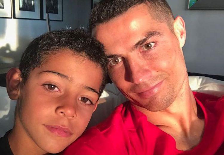 Cristiano Ronaldo Sebut Anaknya Bakal Kesulitan Lebihi Prestasinya