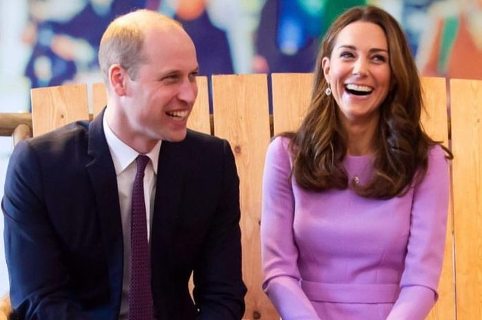 Diam-diam Kate dan Pangeran William berpegangan tangan saat pernikahan Putri Eugenie