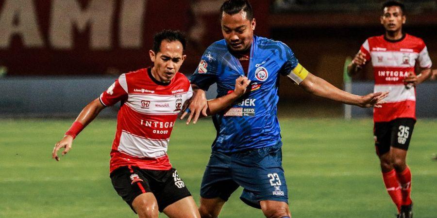 Hamka Hamzah Harus Absen Setelah Antar Arema FC Mengalahkan PSM Makassar