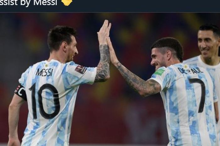 Lionel Messi bersama Rodrigo De Paul bekerja sama menghasilkan gol Argentina ke gawang Ekuador di Copa America 2021.