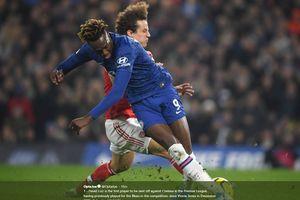 Detik-detik Kartu Merah David Luiz, Musibah Arsenal di Kandang Chelsea