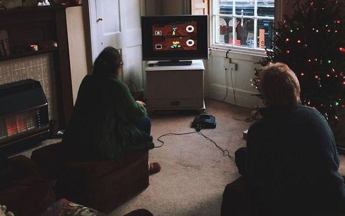 Orang tua Luis Bork ketika tengah bertanding Mario Kart 64