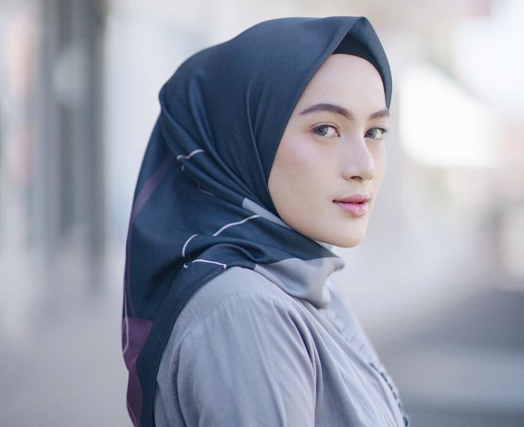 5 Bahan Hijab Yang Tren Dan Kekinian Di Kalangan Selebgram Hijabers Semua Halaman Stylo