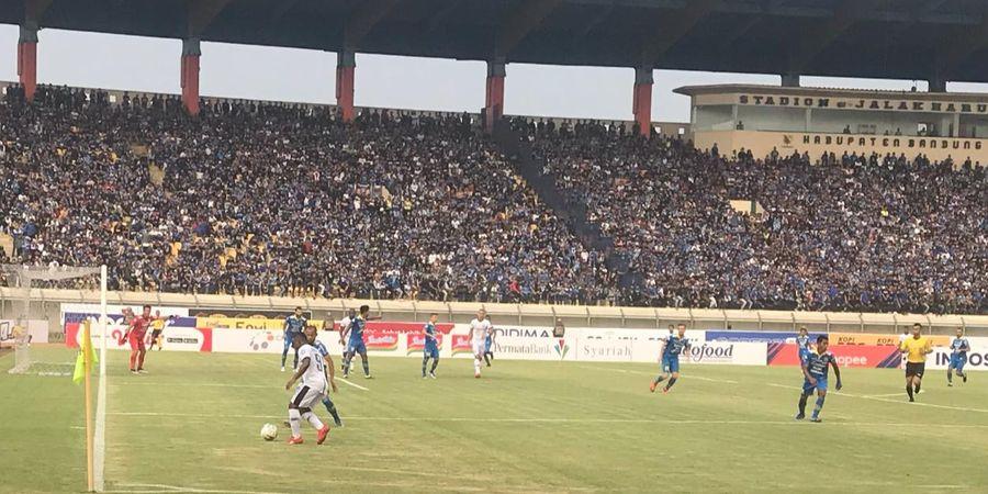 Robert Rene Alberts Nilai Stadion Si Jalak Harupat Layak untuk Liga 1 2020