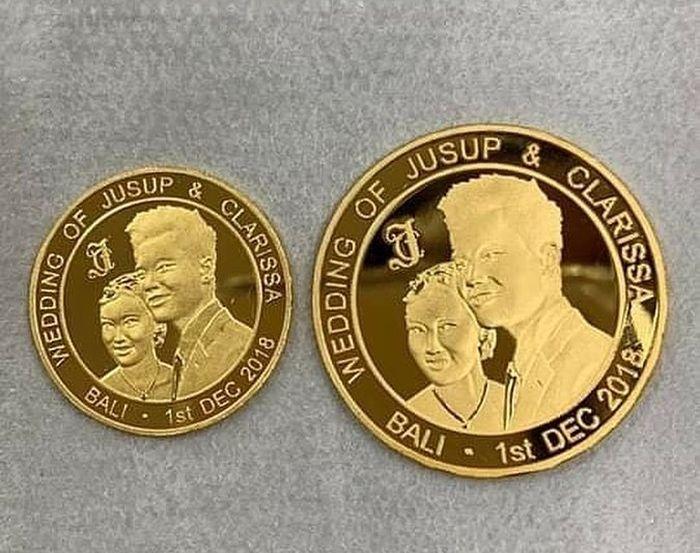 koin emas yang akan jadi souvenir pernikahan Jusup dan Clarissa