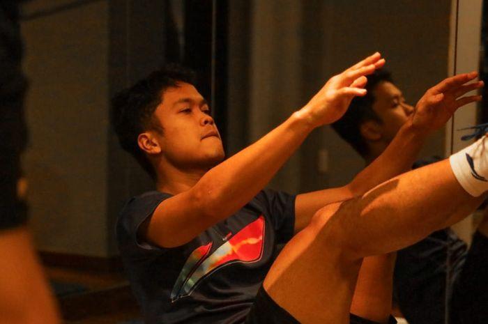 Pebulu tangkis tunggal putra Indonesia, Anthony Sinisuka Ginting, berlatih ringan di Hotel Scandic, Aarhus, Denmark, Jelang Thomas-Uber Cup 2020.