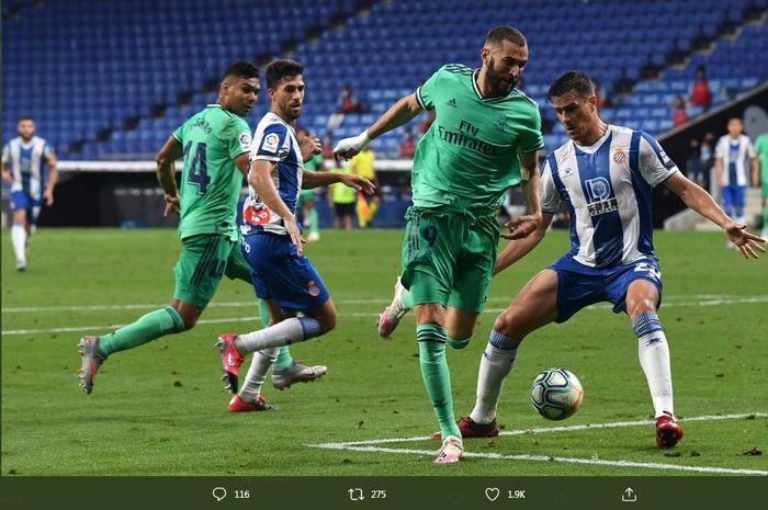 Karim Benzema mencetak assist brilian yang menghasilkan gol kemenangan Real Madrid atas Espanyol pada lanjutan Liga Spanyol di RCDE Stadium, 28 Juni 2020.