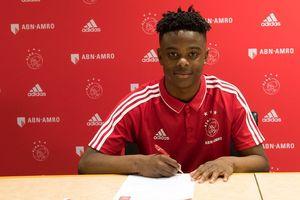 Bocah 17 Tahun yang Diprediksi Bersinar karena Kegilaan Sang Ibu pada Ajax Amsterdam