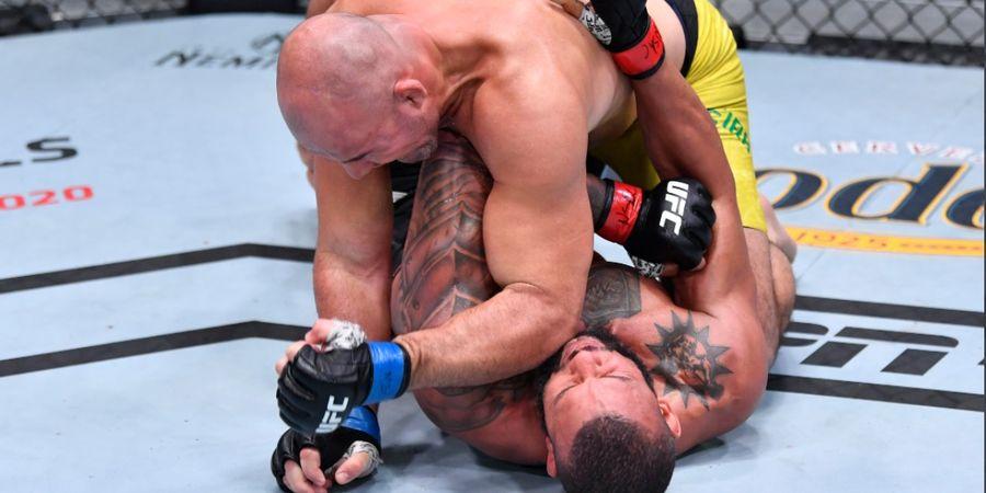 UFC 259 - Trauma Dengkul, Si Ranking 2 Jadikan Helatan Para Juara  Ajang Pemulihan