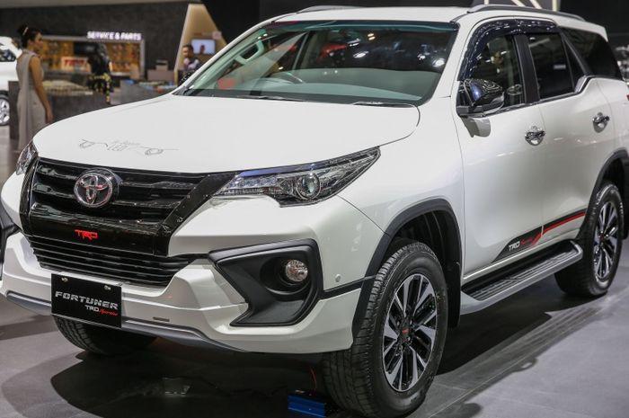 Ilustrasi Toyota Fortuner TRD