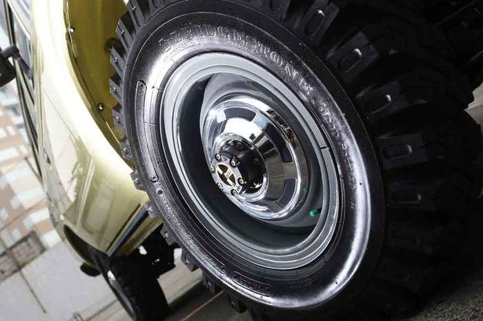 Pelek OEM FJ60 16 inci, kinclong banget