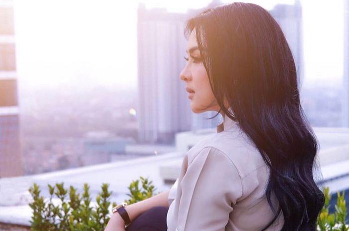 Dikenal Sebagai Princess dan Miliki Suami Pengusaha Sukses, Syahrini Disentil Netizen Perihal Usaha yang Digeluti: