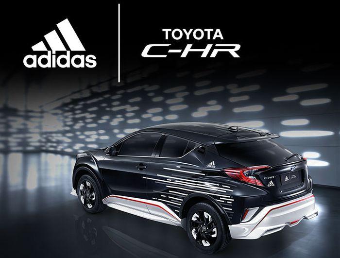Tampilan samping Toyota C-HR Adidas