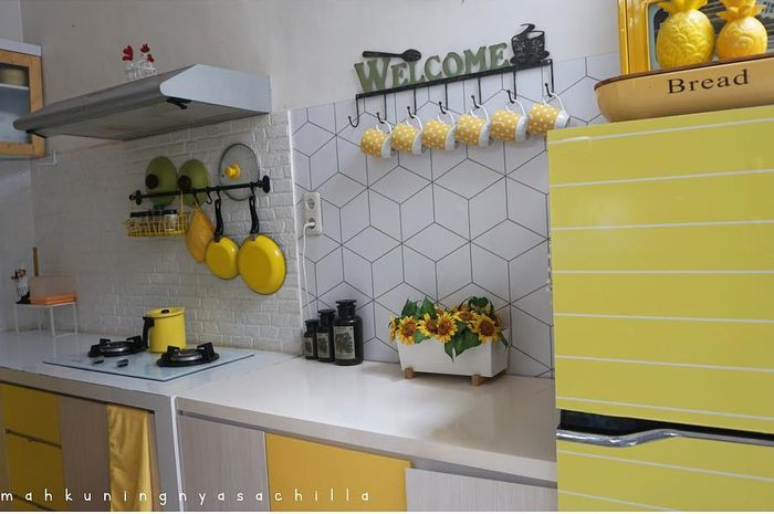 Desain Dapur Serba Kuning Contek Dari Rumahkuningnyasachilla