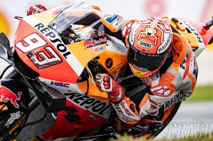 Marc Marquez pada latihan resmi FP1 MotoGP Malaysia kedapatan pakai komponen rem skutik di motornya, komponen baru tersebut terpasang di bagian stang sebelah kiri,